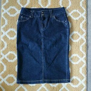 Beau Dawson Jean/Denim Skirt Size 6